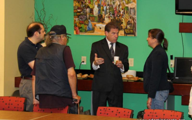 Minnesota Secretary of State Mark Ritche meets with members of the gathering