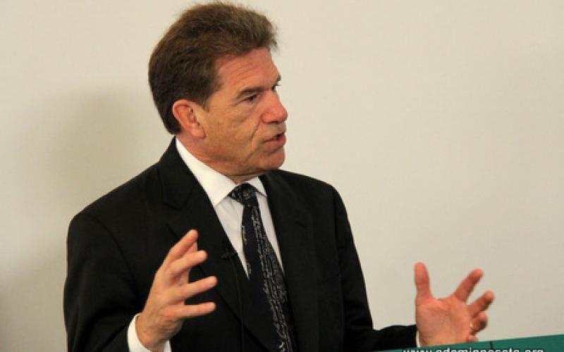Minnesota Secretary of State Mark Ritche speaks